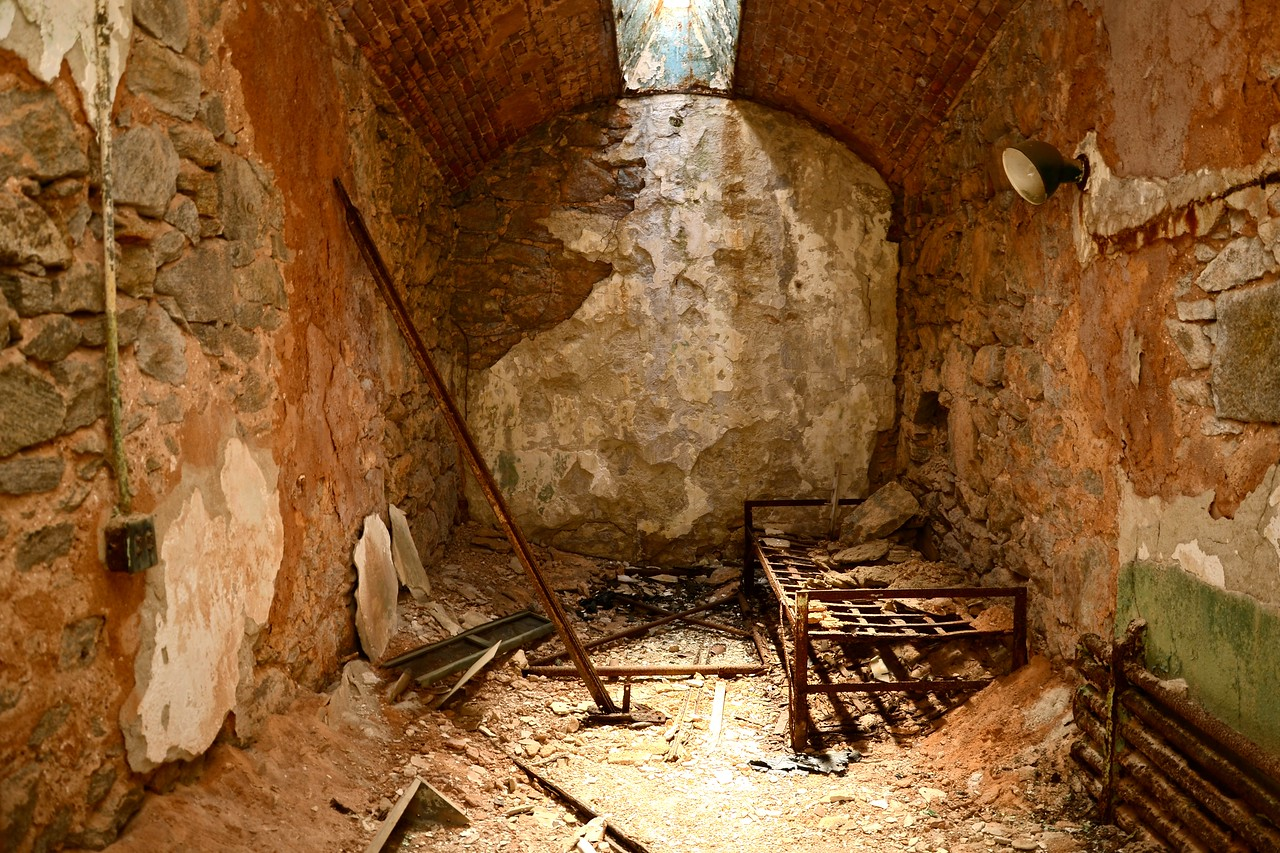 eastern state penitentiary cell with old bed