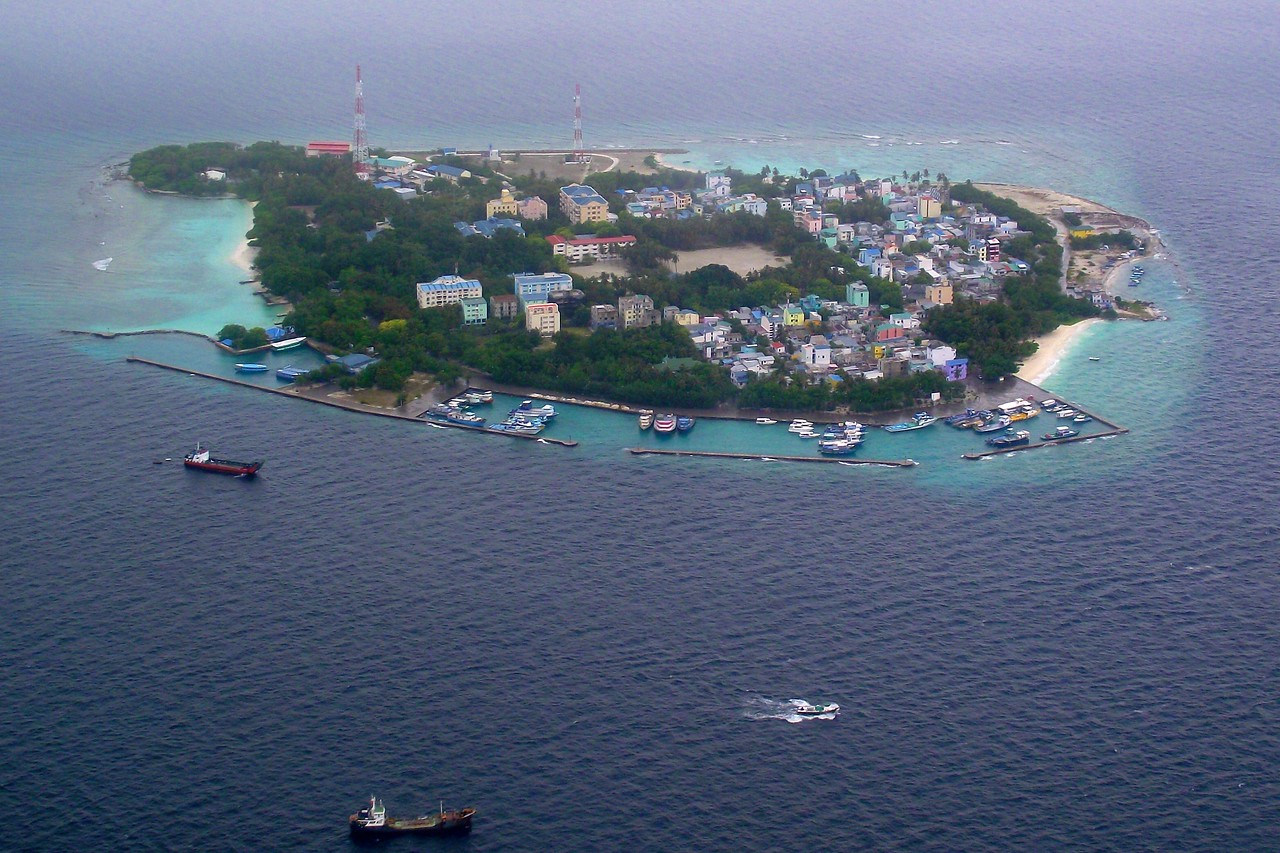 maldives island overview